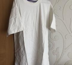 Hosszú fehér póló