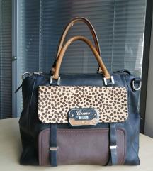 Guess táska, közepes méretű pakolós