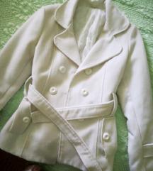 Fehér őszi kabát
