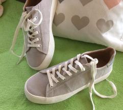 37-es PULL&BEAR cipő