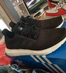 Eladó új Adidas Swift Run 41
