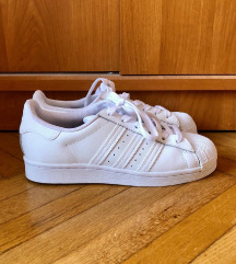 Teljesen új, fehér Adidas Superstar