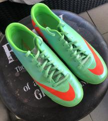 Eladó Nike cipő 41