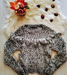 Kylie fluffy vastag kötött pulóver rojtokkal 13+