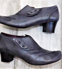 -Mark- magassarkú cipő /38/