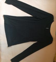Fekete, hosszú ujjú póló