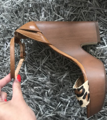Stradivarius magassarkú 36