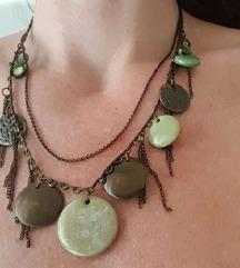 Gyönyörű zöld és bronzos színű egyedi nyaklánc