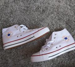 Magasszárú Converse tornacipő