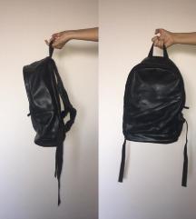 Unisex fekete bőr hátizsák - FOGLALVA