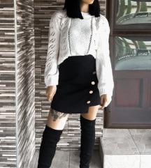 Fehér kötött pulóver