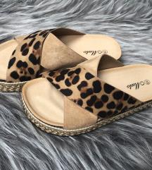 Starstyle-ról rendelt leopárd mintás papucs