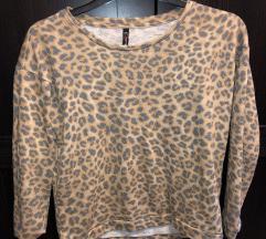 Párduc mintás pulóver