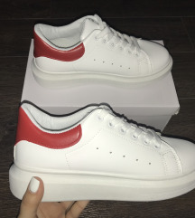 Új Fluffy sneakers cipő (38as)