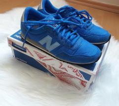 Eredeti New Balance kék sportcipő 36/37
