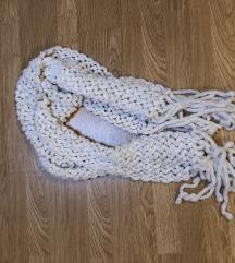 Fehér zsenilia női nagyméretű sál
