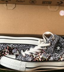 Converse  36,5 -es állatmintás EREDETI tornacipő
