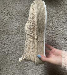 36-37-es Fluffy Slippers  bézs topánka