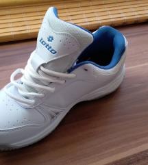 Sportcipő postaköltség nélkül