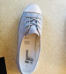Converse új 38.5 tornacipő