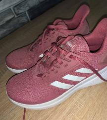 Adidas cipő 36