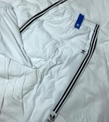 •Cimkés• Adidas Track Pants