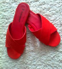 Piros utcai papucs 36