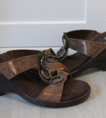 Scholl barna papucs