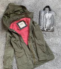 Abercrombie and Fitch átmeneti kabát