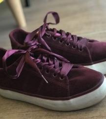 Bordó bársony cipő