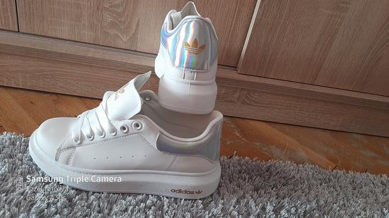Adidas új cipő 38