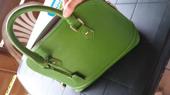Alma táska