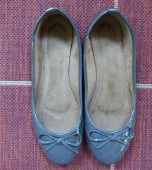 Sötétszürke cipő