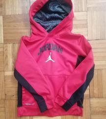 Nike Jordan kisfiú pulóver 116 -122 / kis hibával