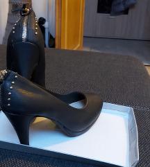 Magassarkú cipő eladó