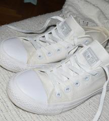 Hófehér Converse cipő