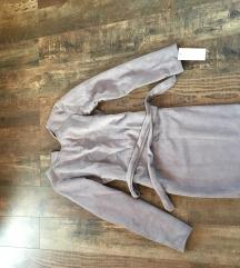 Egyberészes szurke ruha