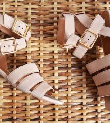 % H&M púder színű velúrszandál 37