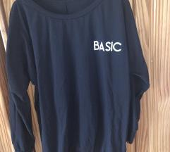 Basic feliratú pulóverruha