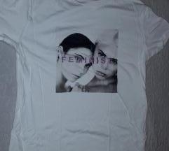 Bershka feminista póló