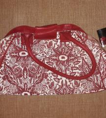 Piros mintás táska