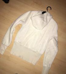 női fehér bundás pulcsi