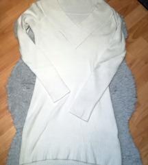 Fehér pulcsiruha
