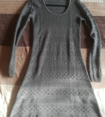 Vékony kötésű ruha