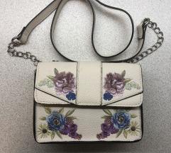 Atmosphere hímzett virágos mini táska