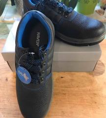 Új Raven acélbetétes munkavédelmi cipő