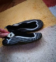 38-as playboy, playmate strand cipő