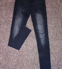Koptatott fekete nadrág