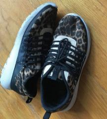 H&M párducos cipő