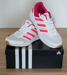 Eladó 38 as méretű új női adidas cipő